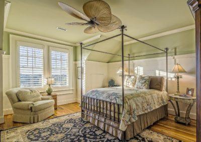 bedroom-389254_1280