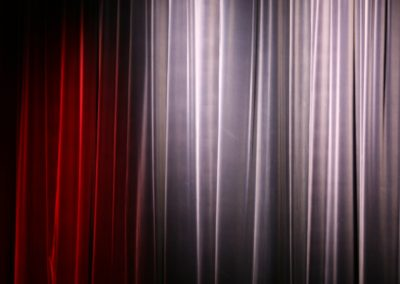curtain-1789085_1920